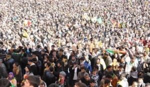 Diyarbakir - mass rally despite police violence