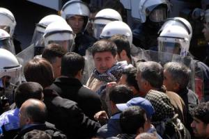 Turkish riot police confront protestors