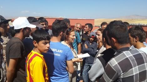 Yezidis surround Beam in Siirt commune to tell their stories