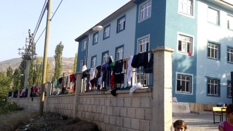 Hilal public school in Uludere, Şirnak, housed 300 refugees, Aug. 2014