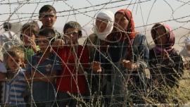 Syrian Kurd refugees at Turkish border