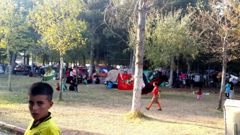 4,500 Yezidis sleeping without tents in Fidanlik Park south of Diyarbakir