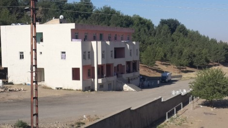 Batman government building houses 500 Yezidis