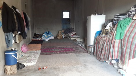 18 people from three families live and sleep in this room