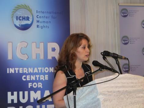 Ava Homa accepts the award on Kaboudvand's behalf