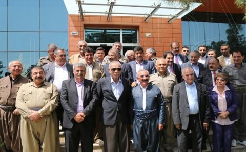 Gorran leader Nawshirwan Mustafa meets with PUK Leadership council at Gorran HQ, May 2016