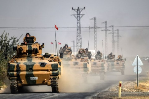 Turkish tanks en route to Jarabulus