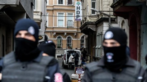Police block the street during the raid on the HDP HQ